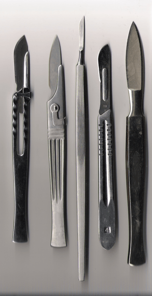 File:Various scalpels.png