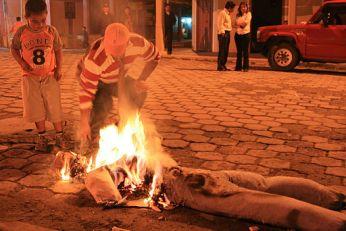 NYE-burning viejo in Ecuador