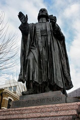 Statue of John Wesley in front of Wesley's Chapel.