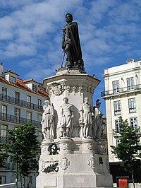 Estátua a Camões, no Bairro Alto