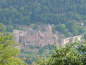 Deutsch: Schloss Heidelberg Schlosshof D-69117...