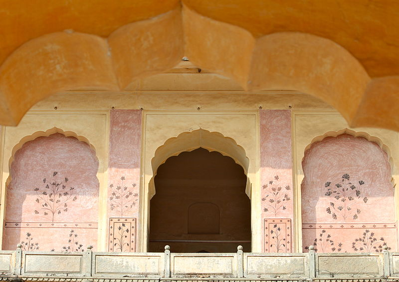 File:Second floor view Fourth Courtyard Amber Fort.jpg