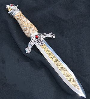 English: Replica of a Viking Dagger by Sid Birt