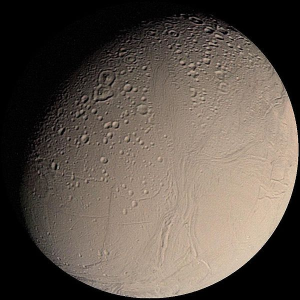 शनि का चन्द्रमा  एन्सेलडस