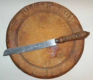 English: Late 19th century cutting board of ma...