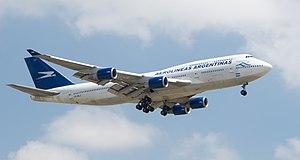 English: Boeing 747-475 - Aerolíneas Argentina...