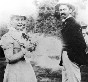 English: Cora Taylor Crane with author Stephen...