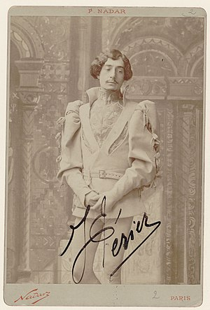 English: French operatic baritone Jean Périer ...