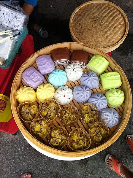 File:Steamed buns, the Vegetarian Festival in Phuket 13.JPG