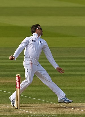 Swann bowling against Sri Lanka at Lord's in t...