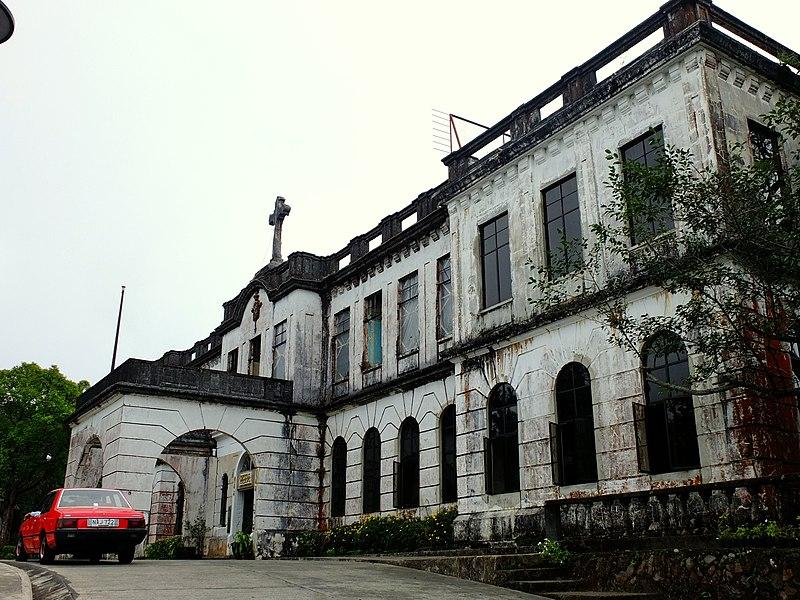 File:Diplomat Hotel in Baguio City.JPG