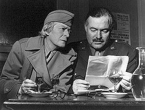 English: Ernest Hemingway with American writer...