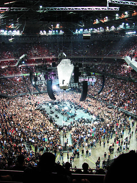 File:Metallica, Sydney Super Dome.jpg