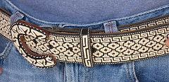 Detalle de un cinturón de piteado hecho a mano