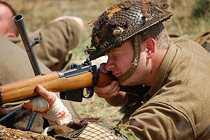 English: British Soldier with Lee Enfield (Tak...