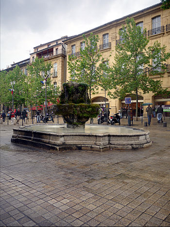 English: Fountain on the Cours Mirabeau in Aix...