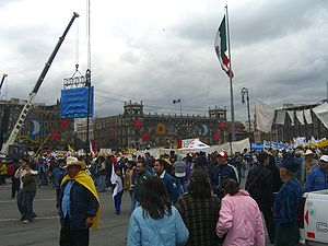 One hour before Andrés Manuel López Obrador be...