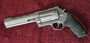 English: Taurus Raging Judge Magnum revolver, ...