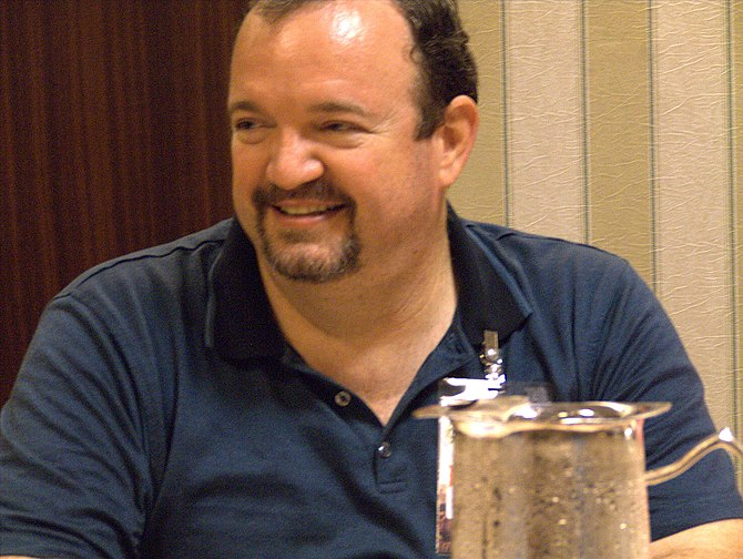 English: Tracy Hickman at Dragon Con 2006.