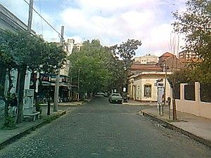 Español: Calle Alem, casi esquina Acassuso. Sa...