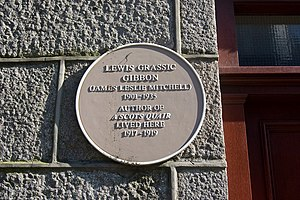 English: Lewis Grassic Gibbon lived here... Me...