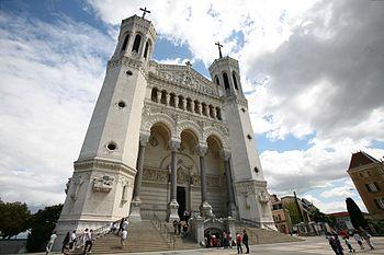 Français : Basilique de Fourvières, Lyon, France.
