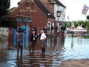 Upton-upon-Severn flooded Interview with ITV (...