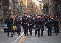 Carabinieri in assetto da ordine pubblico