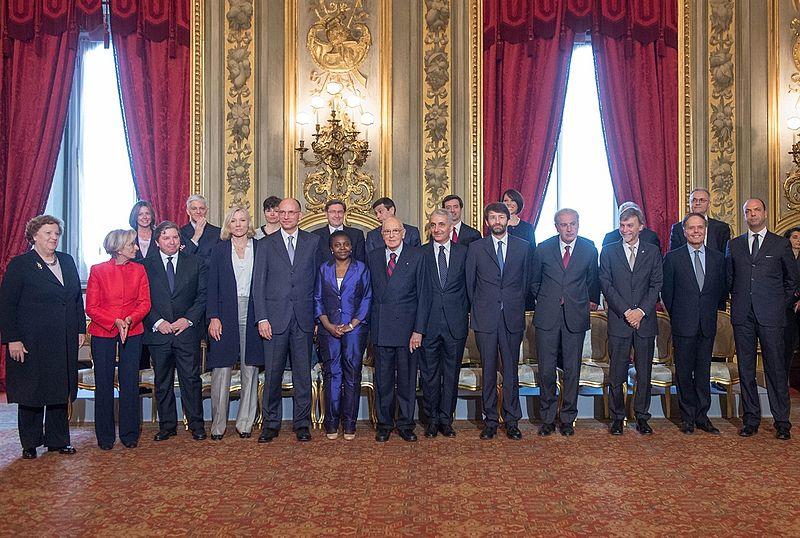 Le président Giorgio Napolitano, le président du Conseil et les membres Letta Enrico ministres du nouveau gouvernement le jour du serment.