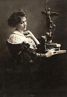 Lola Mora, pionera de la minería