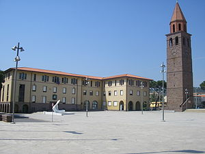 English: Piazza Roma in Carbonia, Sardinia, It...