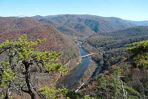 English: The Nolichucky River, approaching Erw...