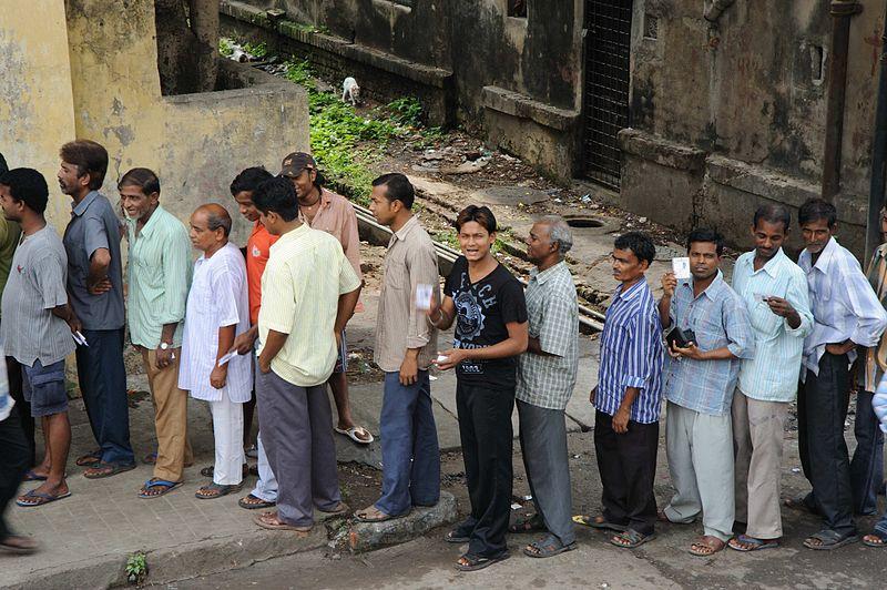 File:Queues of Indian voters - Flickr - Al Jazeera English.jpg