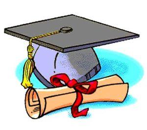 Sombrero y diploma de graduación