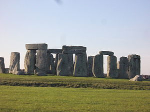 English: A picture of Stonehenge with the sun ...