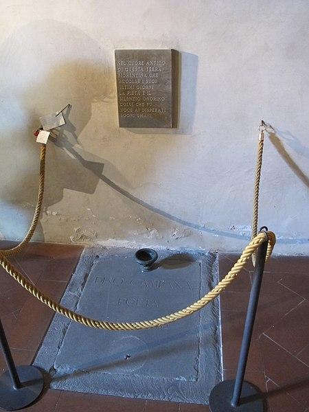 File:Badia a settimo, tomba di dino campana 01.JPG