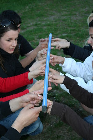 English: A CISV educational activity - coopera...
