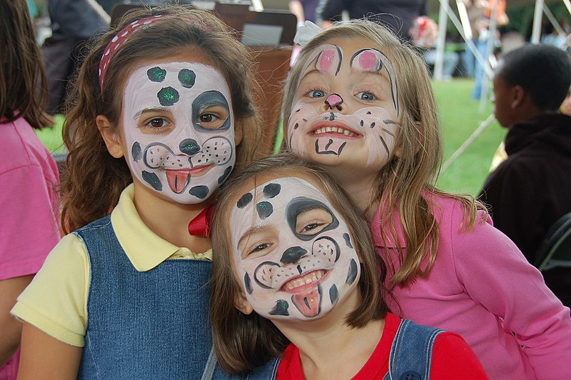 File:Face paint girls.jpg