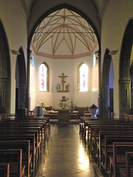 Fichier: Ferrière-la-Grande église 2.JPG