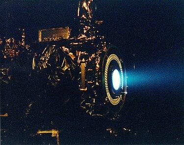 डीप स्पेस 1 मे प्रयुक्त आयन इंजिन