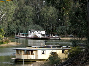 English: Riverboats on Murray River in Echuca ...