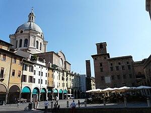 Piazza delle Erbe, Mantova, Lombardia, Italia