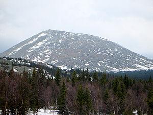 English: Mount B.Iremel Русский: Гора Большой ...