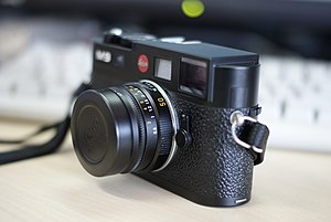 English: Leica M9 digital rangefinder camera S...