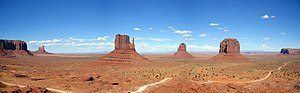 English: view of the Monument Valley, Between ...