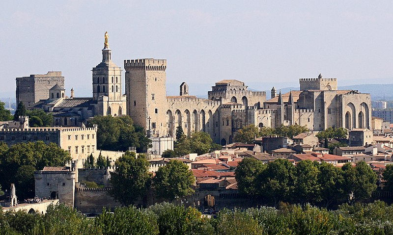 Ficheiro:Avignon, Palais des Papes depuis Tour Philippe le Bel by JM Rosier.jpg
