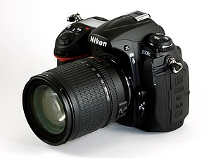 English: A Nikon D300s with Zoom-Nikkor 18-135...