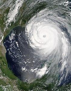 Hurikan Katrina di dekat pusat hurikan pada 28 Agustus 2005