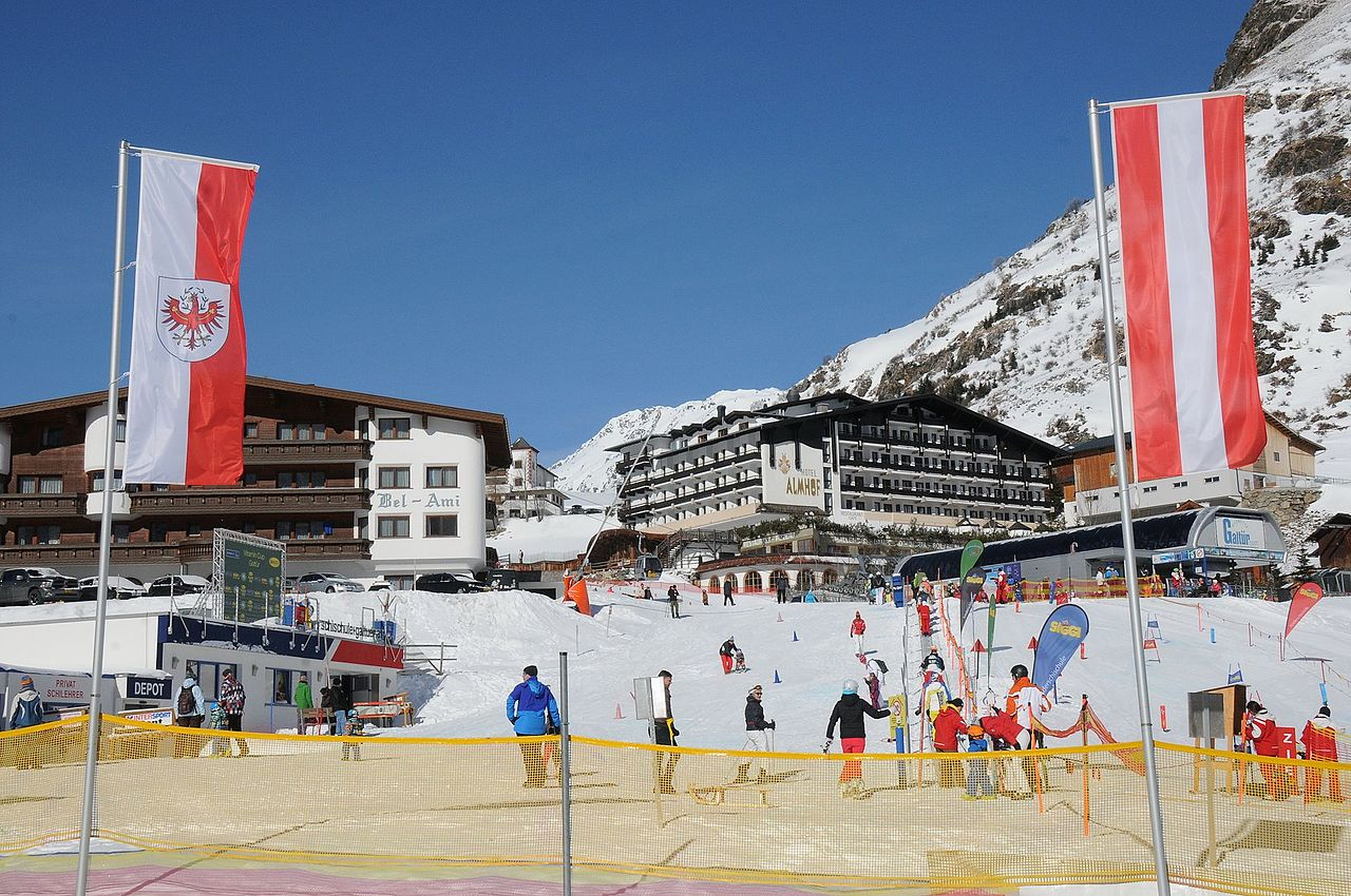 datei tapis roulant at the ski slope at