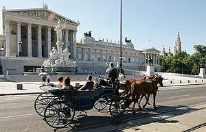 Bečki fijaker ispred Palače Parlamenta